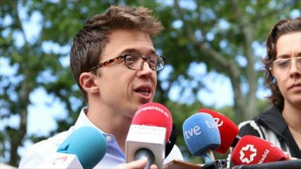 Podemos se ofrece al PSOE para formar Gobierno
