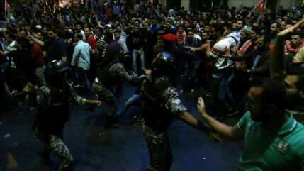 Informe: Israel, EEUU y Riad provocaron las protestas en Jordania