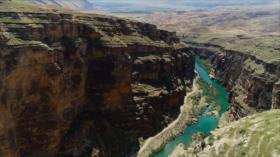 Irán: 1- Las atracciones acuáticas en Hormozgan 2- El cañón de Kafarin y la presa de Seimare en Ilam 3- La medicina tradicional iraní