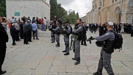 Vídeo: Fuerzas israelíes atacan a palestinos en Mezquita Al-Aqsa