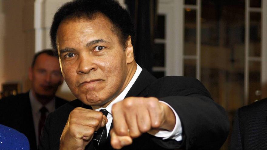 El boxeador estadounidense Muhammad Ali Clay.