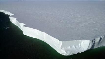 El mayor iceberg antártico, a punto de desaparición