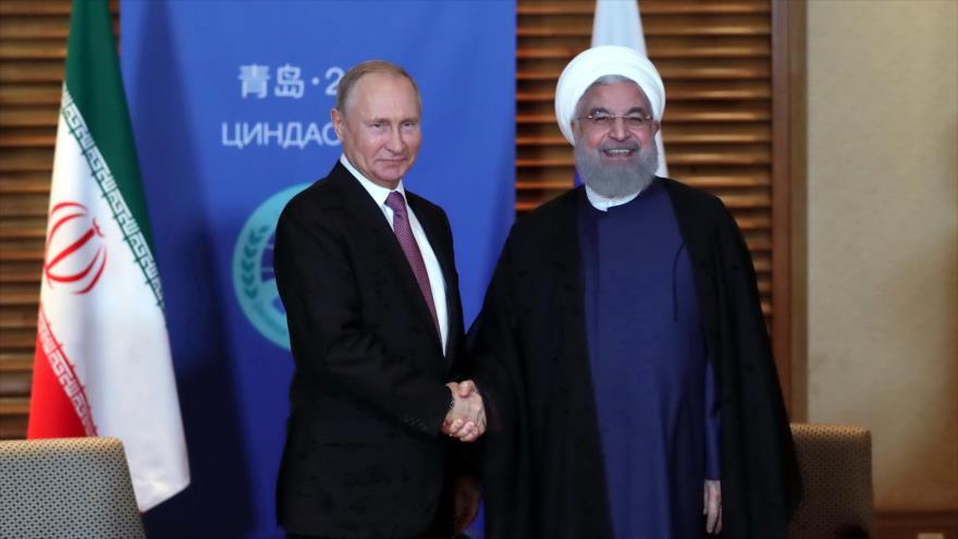 "Rohani refuta ante Putin ""ilegal"" salida de EEUU de pacto nuclear"