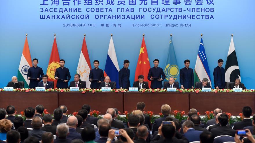 Los presidentes de los países miembros de la Organización de Cooperación de Shanghái (OCS), reunidos en la ciudad china de Qingdao, 10 de junio de 2018.