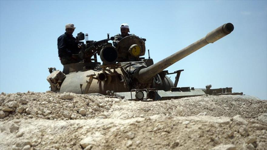 Siria, apoyada por cazas rusos, repele ataque de Daesh a Palmira