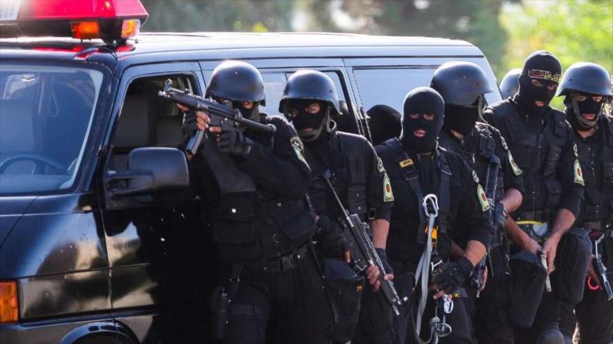 Agentes de las fuerzas especiales de la Policía iraní durante un ejercicio en Kerman, en el sureste de Irán.