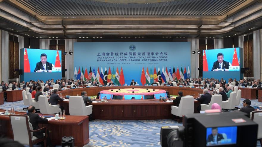 Una reunión del formato ampliado del Consejo de Jefes de Estado de la Organización de Cooperación de Shanghái (OCS) en Qingdao, China, 10 de junio de 2018.