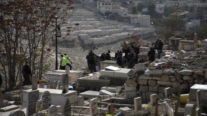 Vídeo: Israel destruye histórico cementerio musulmán en Al-Quds
