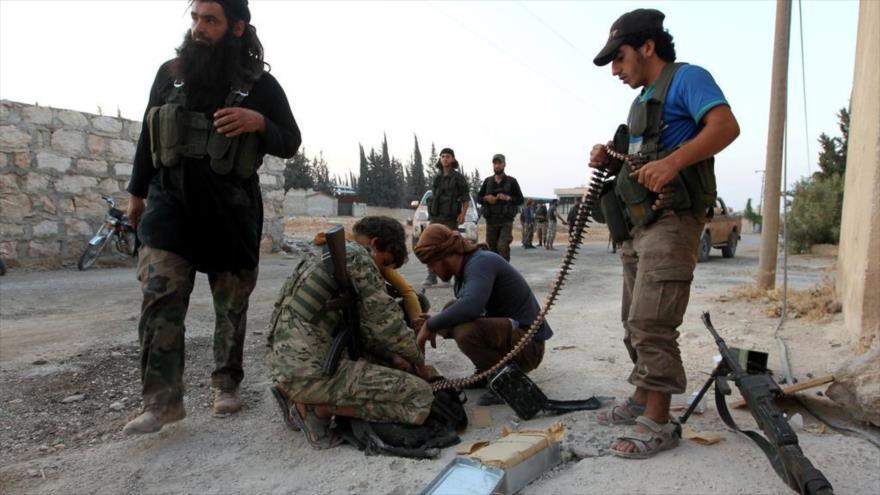 Rebeldes instan a los soldados del Ejército sirio a desertar