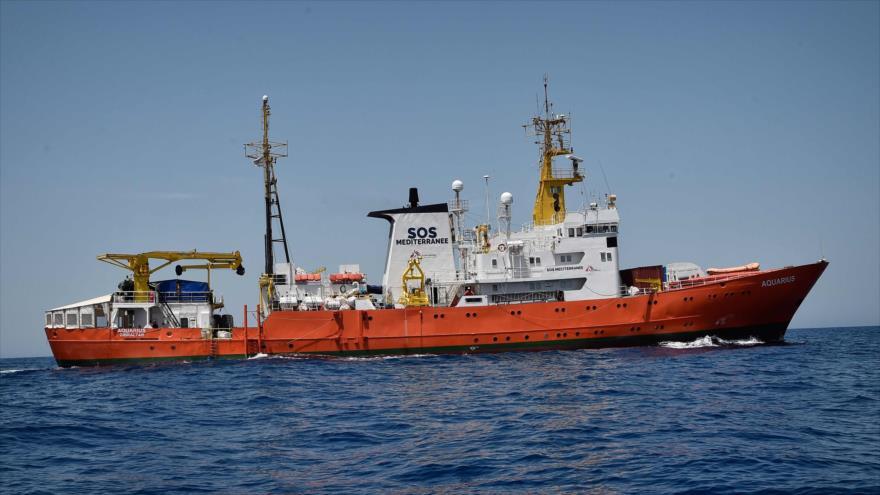 El barco de la ONG francesa Aquarius en las aguas del mar Mediterráneo, en una foto de archivo tomada el 6 de mayo de 2018.