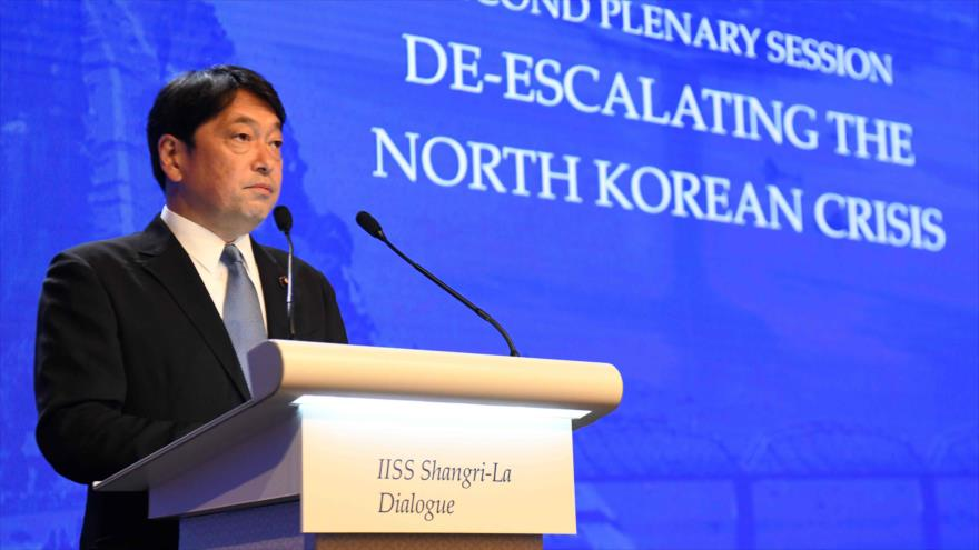 Itsunori Onodera, ministro de Defensa de Japón, habla en la 17.ª Cumbre de Seguridad de Asia en Singapur, 2 de junio de 2018.