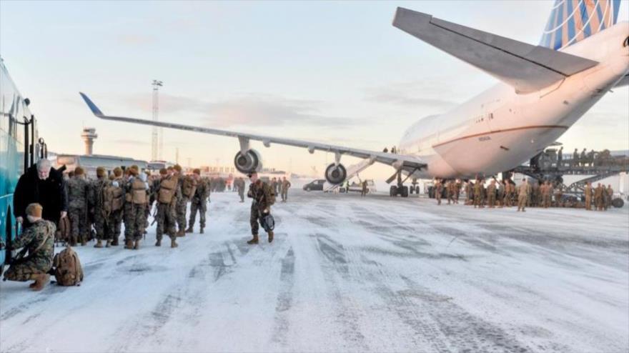 Un Boeing 747 con unos 300 marines estadounidenses aterriza en Stjordal, Noruega, 16 de enero de 2017.