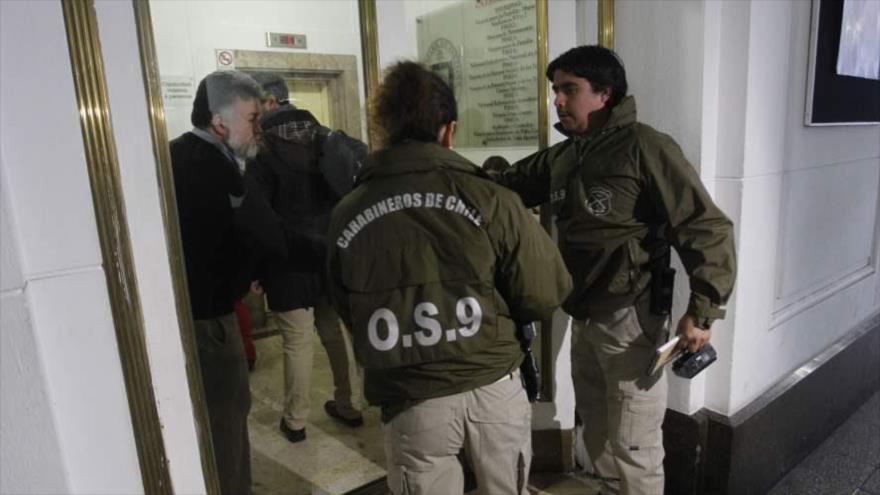 Justicia chilena allana sedes de Iglesia católica por pederastia | HISPANTV