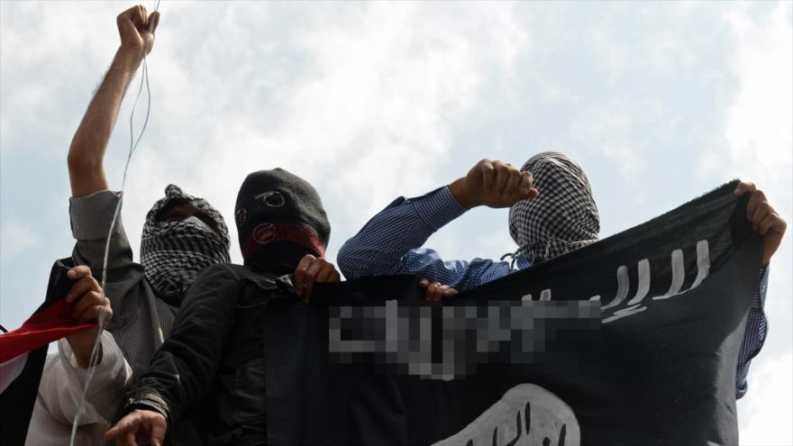 Miembros del grupo terrorista EIIL (Daesh, en árabe).