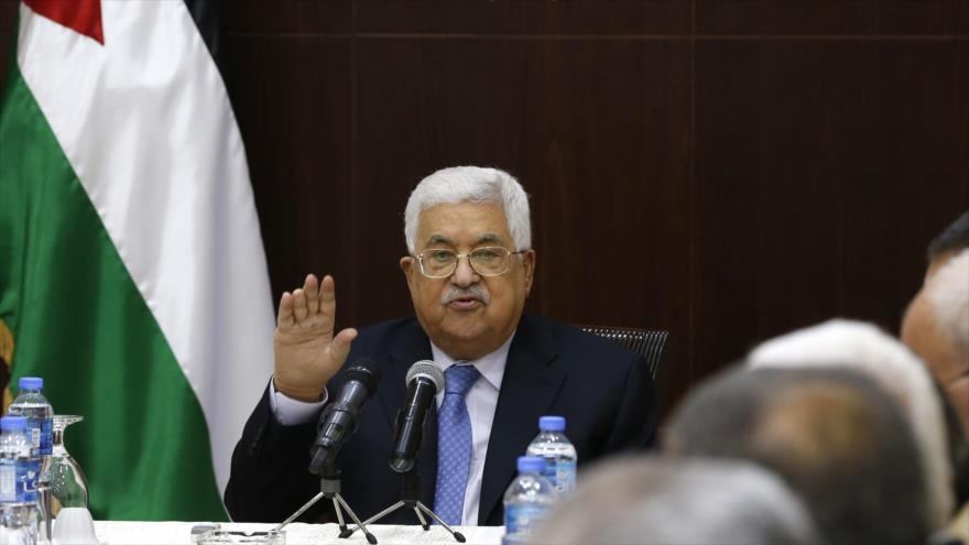 El presidente palestino, Mahmud Abás, habla en una reunión en la ocupada Cisjordania, 29 de mayo de 2018.