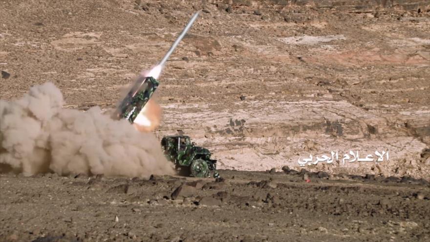 El momento de lanzamiento de un misil desde Yemen contra objetivos en Arabia Saudí.