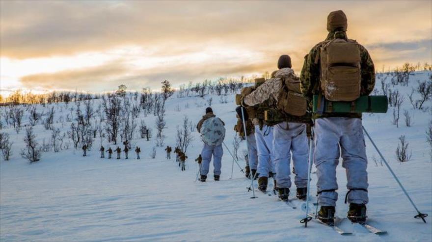 Marines de EE.UU. realizan unos ejercicios en Bardufoss (Noruega), 2 de febrero de 2018.