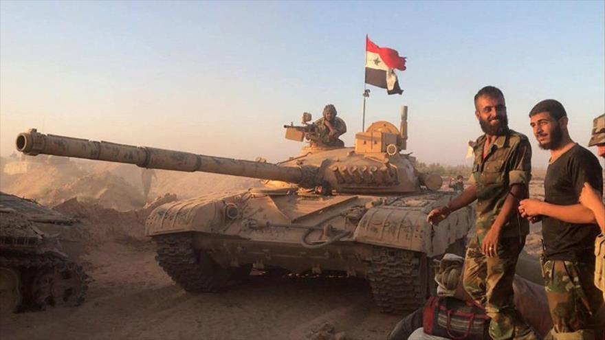 Ejército sirio arrebata a EIIL 2000 km2 de desierto en Deir Ezzor