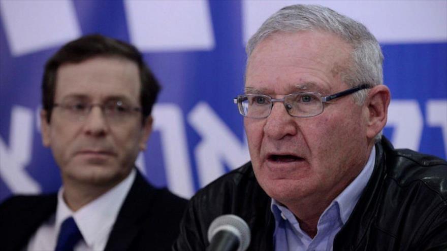 El exjefe de la inteligencia militar del régimen de Israel, Amos Yadlin, en un acto electoral, 22 de febrero de 2015.