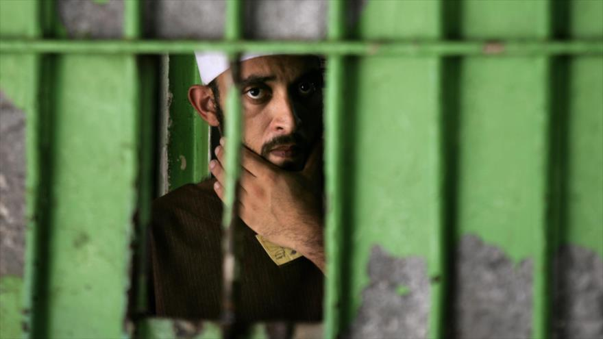 Un preso palestino recluido en una cárcel israelí.