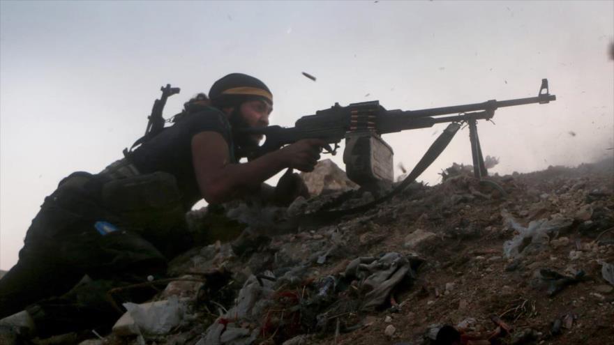 Un integrante del Frente Fath Al-Sham (antiguamente conocido como el Frente Al-Nusra).
