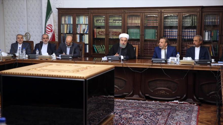 Rohani: Irán no se rendirá ante confabulaciones de EEUU