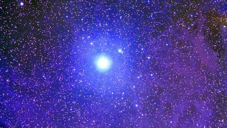 Astrofísicos dicen que extraterrestres 'roban' estrellas.