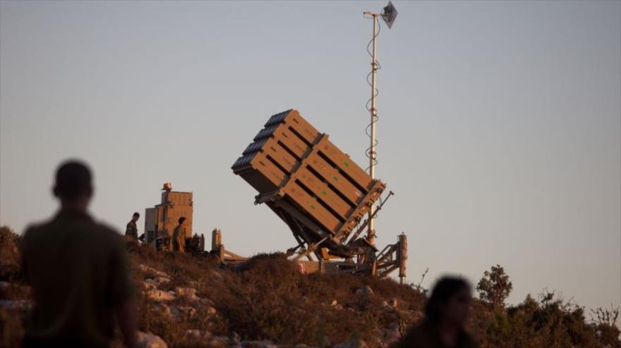 Una batería del sistema antimisiles israelí Cúpula de Hierro desplegada en los territorios ocupados palestinos.