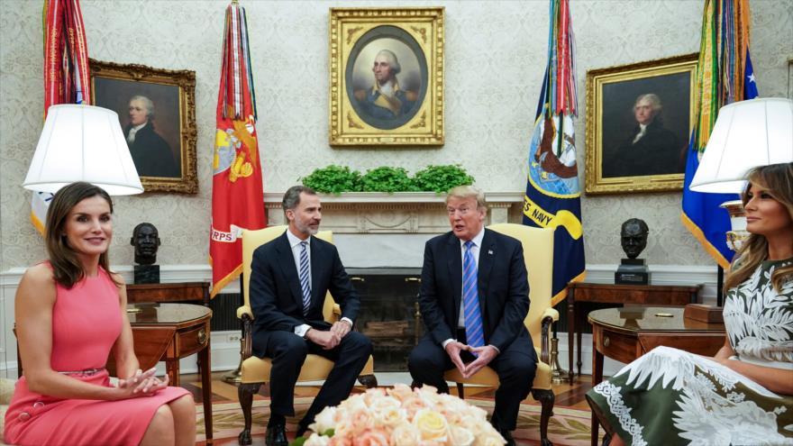 El presidente de EE.UU., Donald Trump y su esposa Melania, se reúnen con el rey de España Felipe VI y la reina Letizia, 19 de junio de 2018.