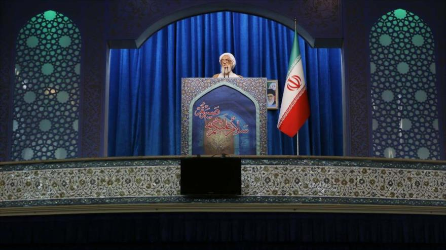 Clérigo iraní: EEUU usa todos sus medios contra la Revolución Islámica