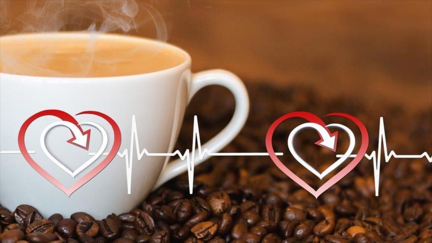 La cafeína protege tu corazón de un infarto.