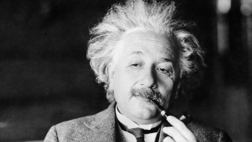 Albert Einstein es considerado el científico más conocido y popular del siglo XX.
