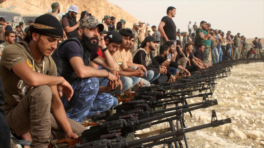 EEUU abandona a 'rebeldes' ante artillería siria y bombardeo ruso