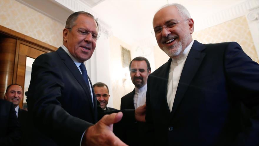 Irán y Rusia examinan avances para salvar acuerdo nuclear