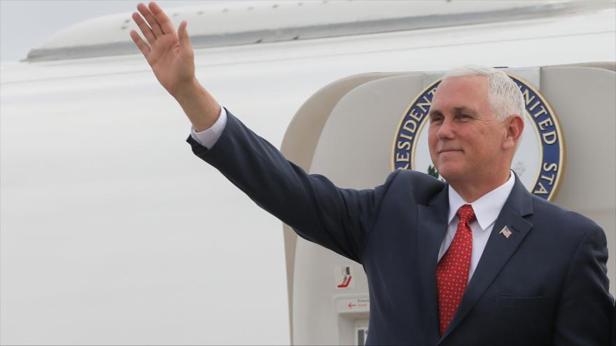 El vicepresidente de Estados Unidos, Mike Pence, en la base aérea militar de Brasilia (Brasil), 26 de junio de 2018.