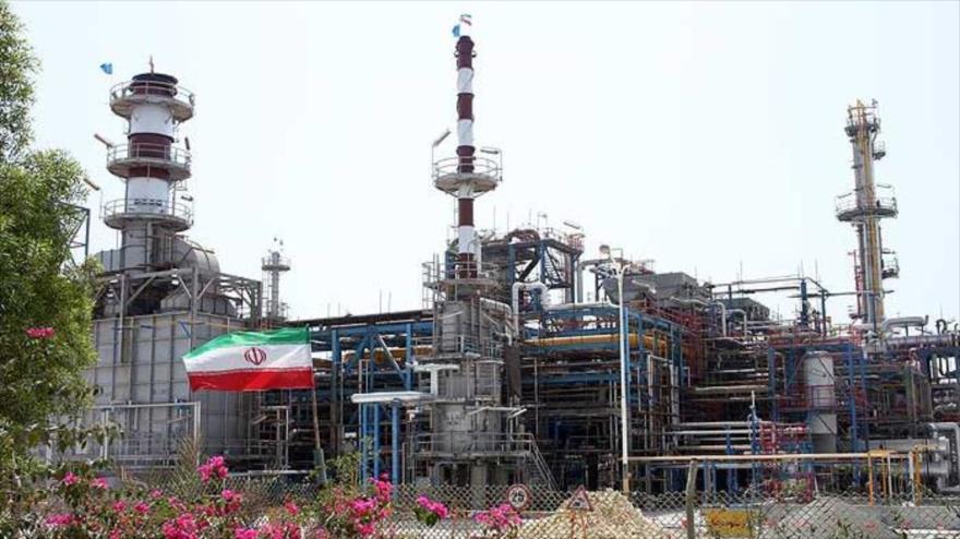 EEUU insta a sus aliados a dejar de comprar crudo iraní para noviembre