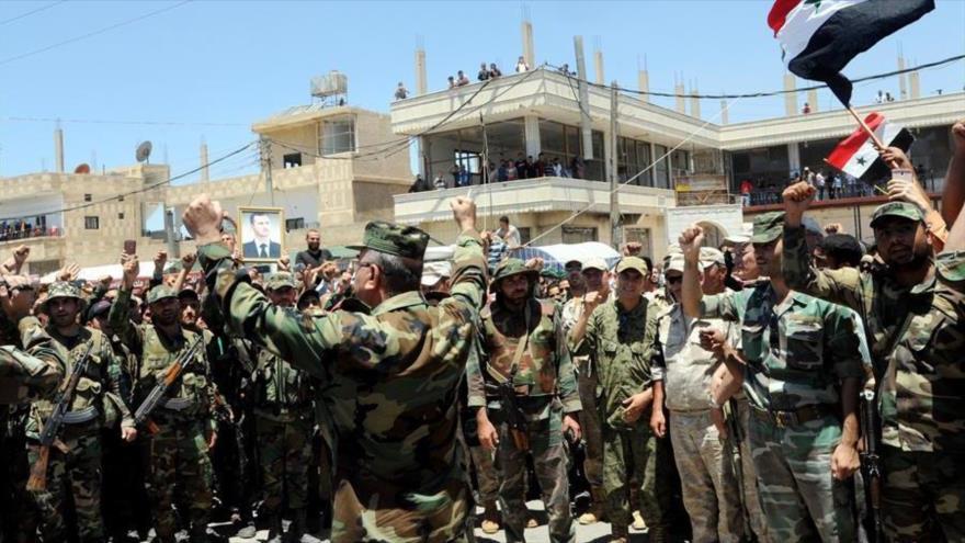 Miles de sirios desplazados por ofensiva de Al Asad en Deraa