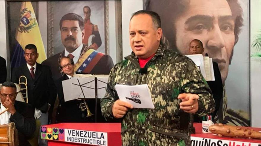 El jefe constituyente venezolano, Diosdado Cabello, en su programa televisivo Con el Mazo Dando, Caracas, 4 de julio de 2018.