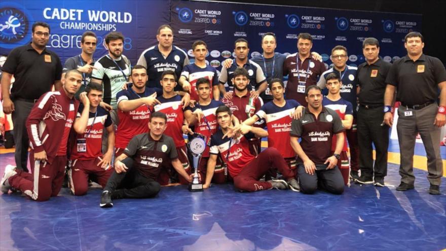 La selección iraní de lucha libre en el Campeonato del Mundo de Cadetes 2018 en Croacia.
