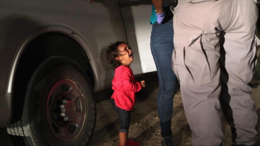 EEUU devuelve bebé a su familia migrante 'lleno de polvo y piojos'