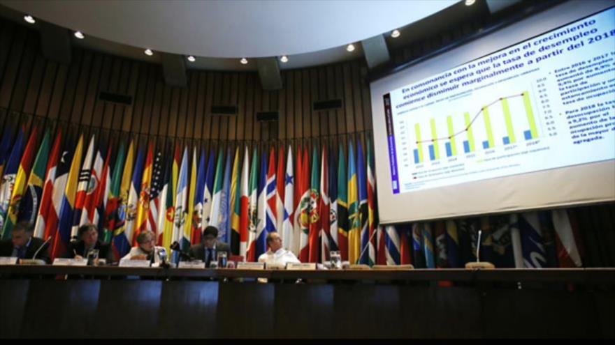 La Comisión Económica para América Latina y el Caribe (Cepal) analiza proyecciones de crecimiento económico de la zona, mayo de 2018.