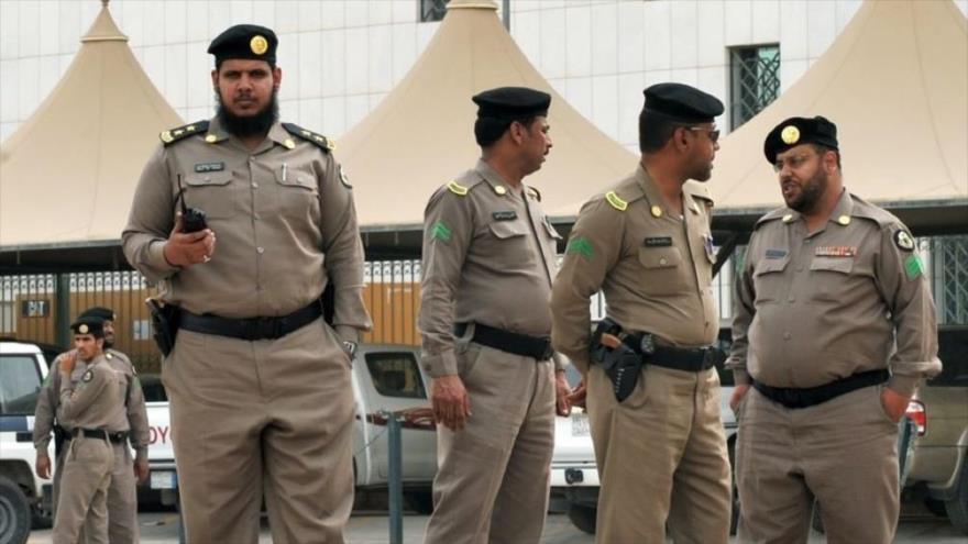 Miembros de la Policía de Arabia Saudí desplegados en Riad, la capital.