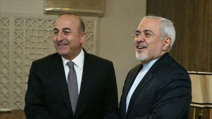 Irán y Turquía apuestan por reforzar la cooperación bilateral