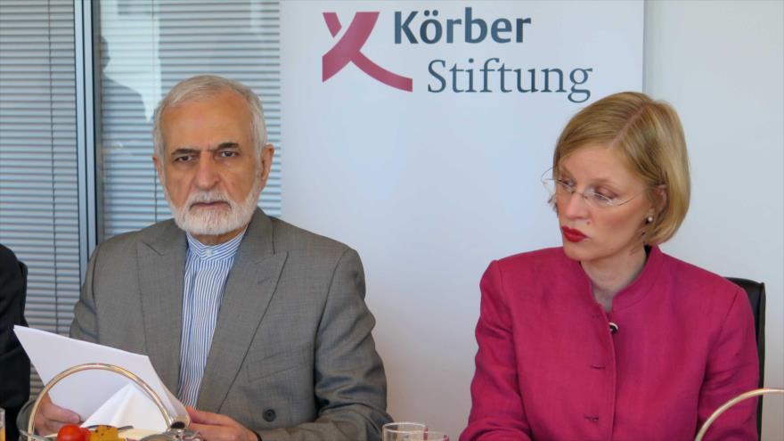 El presidente del Consejo Estratégico de Relaciones Exteriores de Irán, Seyed Kamal Jarazi, en la Fundación Korber, Alemania, 10 de julio de 2018.