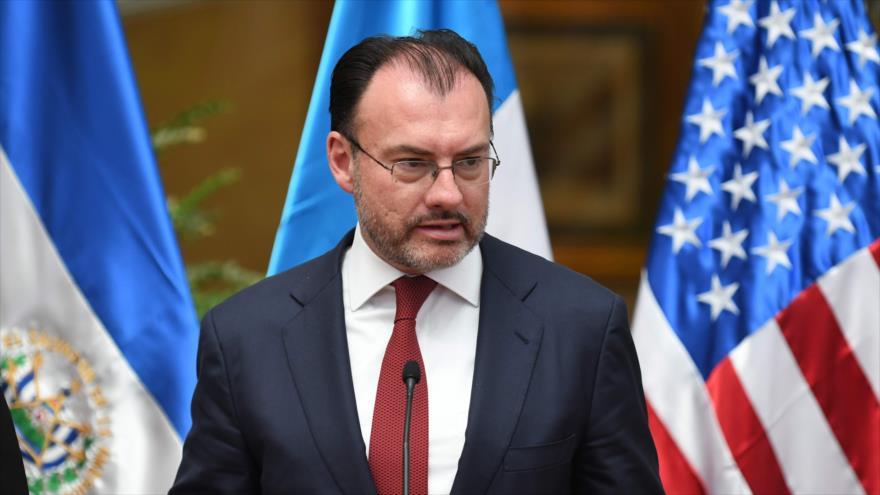 El canciller mexicano, Luis Videgaray, habla durante una conferencia de prensa en la Ciudad de Guatemala, captal guatemalteca, 10 de julio de 2018.