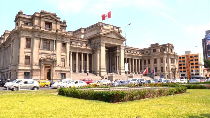 Popularidad de Congreso y Justicia peruanos, por los suelos
