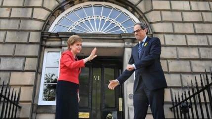 Torra y la líder de Escocia piden un referéndum en Cataluña