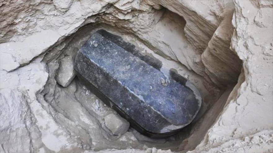 Descubren en Egipto misterioso sarcófago sellado hace 2000 años