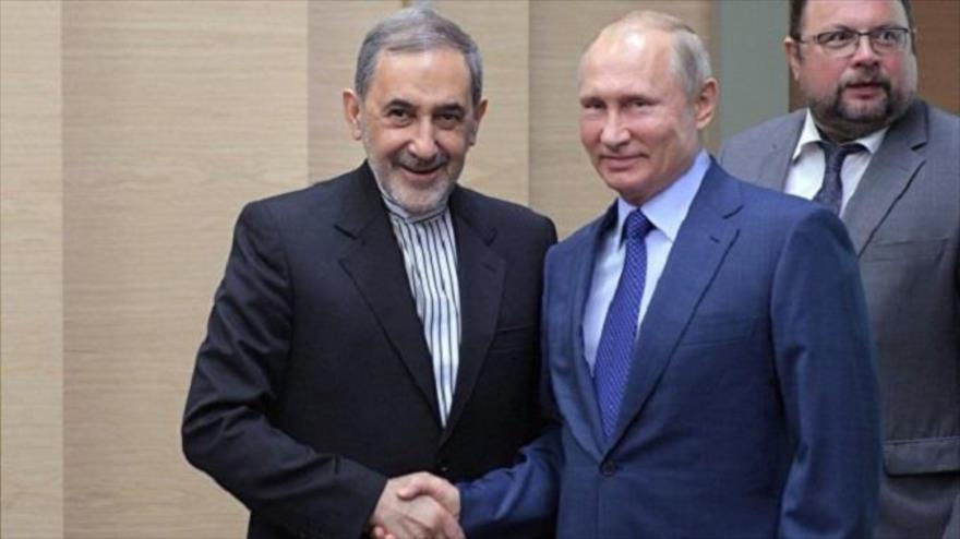 Putin recibe al alto asesor del Líder iraní en Moscú