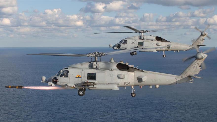 Dos helicópteros de combate MH60R de la Armada de EEUU.